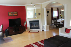Kirkland condo for sale / a vendre