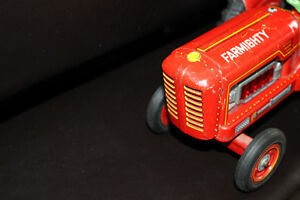 Collectible Vintage Red Tractor Tin Toy!!! Farmighty. London Ontario image 5