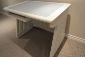 SnapEase Desk (by Rubbermaid)