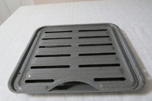 A  2-piece metal dish to roast things in the oven