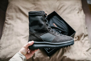 Yeezy Season 3 Military Boot Onyx (US 10 / EU 43)