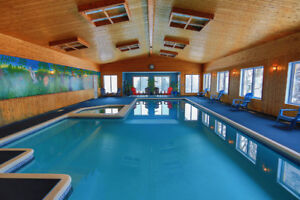 Cottage With Indoor Pool For Large Groups Up To 46