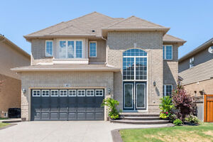 Ancaster Meadowlands, WOW!!! NEW PRICE, Approx 2700sf
