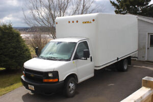 2013 Chevrolet Express 3500 16ft Only 42000km