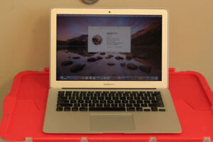 """MacBook Air 13"""" Early 2015, 1.6 GHz Intel Core i5, Excellent con"""