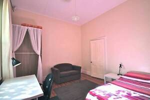 Inner-city stunner with room for your car. Mile End West Torrens Area Preview