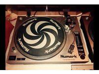 2 Turntables (Decks) - Mixer - Records