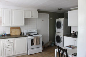 2 BEDROOM 2 STORY APARTMENT LOCATED IN PORTSMOUTH VILLAGE