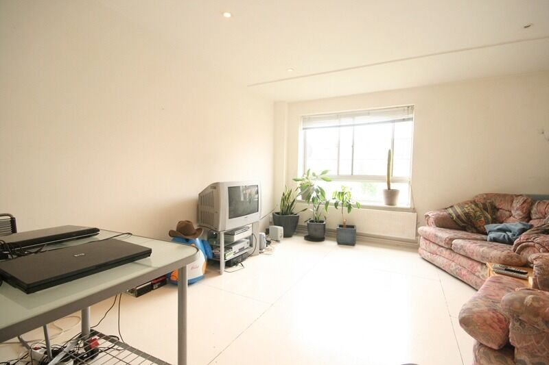 3 Bed Flat in Stockwell - £490PW!