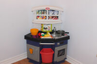 LITTLE TIKES PLAY SMART *COOK AND LEARN KITCHEN
