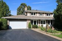 Beautiful 4 Bed/4 Bath Home in OLD Barrhaven w/Inground Pool!!