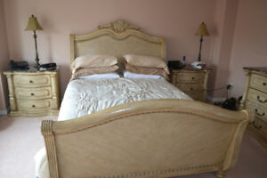 5 PC QUEEN BEDROOMS SUITE FOR SALE   PICK UP