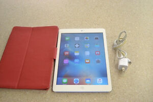 IPAD AIR 16GB wifi - Silver and white  -- Mint!