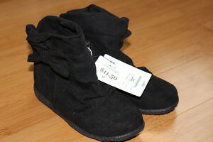 """NEW!  Girls """"Cherokee"""" Casual Boots - Size 10 London Ontario image 1"""
