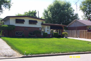 Quiet South Windsor detached 3 bedroom house-Ideal family living