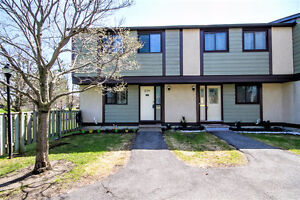 *OPEN HOUSE - END UNIT Condo with 4 Bedrooms!