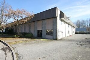 5,000 sqft Warehouse with office