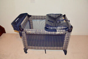 Graco Pack'n play baby playpen with changing station/Bassinet