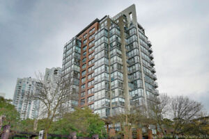 Yaletown beach side 2 beds+2 wshs+den for renting