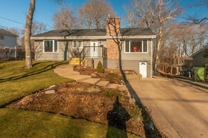 40 Edward Laurie Drive, Wedgwood This is a BEAUTIFUL home!