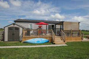 Relaxing Riverfront Park Model Home in Port Maitland