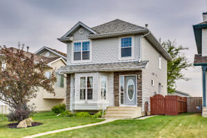 Coventry home w finished basement perfect for Live up/Rent below
