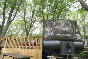 37 FOOT LACROSSE LUXURY LITE TRAVEL TRAILER