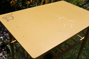 Small Yellow Table Kitchener / Waterloo Kitchener Area image 2