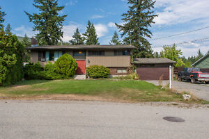 ***5bed, 3bath home with mortgage helper backing onto Park land.