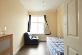Spacious Double Room Zone 2 NO DEPOSIT REQUIRED