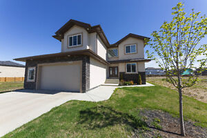 Stunning 2600+ Sq Ft Home in Beaumont!!!