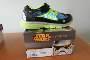 Size 2.5 NIB Stride rite Star Wars Light up sneakers- West end
