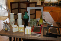 Box and 2 bags full of house decor and kitchen stuff $25 OBO