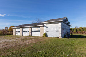 Approx. 5 acres, 2 homes, 2 shops in Beautiful Amherstburg! Windsor Region Ontario image 9
