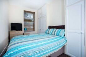 DOUBLE ROOM TO RENT, PROFESSIONAL HOUSE SHARE, FULLY FURN, ALL BILLS INC, SKY TV, WIFI, NO DEPOSIT