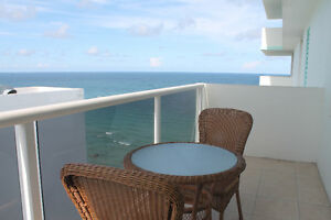 Tres Charmante CONDO a HOLLYWOOD HALLANDALE sur la plage 1603