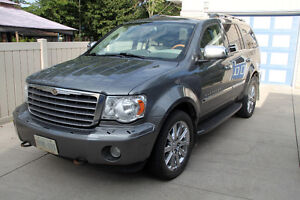2009 Chrysler Aspen Limited SUV, Crossover