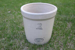2 Gallon Medalta Crock