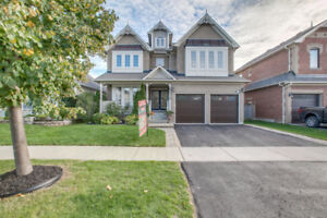 4 Bedroom Home with Gourmet Kitchen and 3rd Storey Loft!