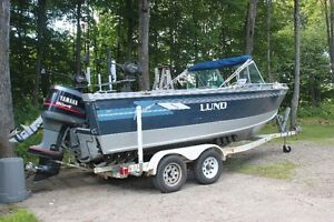 fish/ski lund 2100 baron with matching yamaha's