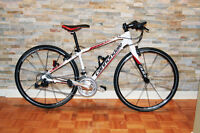 Velo Cannondale bicycle hybrid, road performance