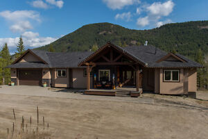 20 Big Buck Road, Lumby - Luxurious home with beautiful view