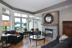 Gorgeous Semi Lakeshore Townhome in Peachland
