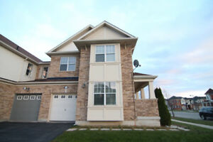 Beautiful 4br semi for lease in Milton(Thompson/L S Laurent)