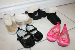 Baby girl shoes - $2 per pair