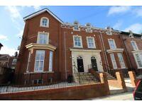 2 bedroom flat in Balmoral Road, Fairfield, Liverpool, L6