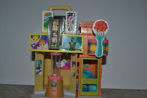 2 doll play sets