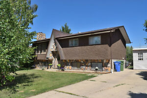 Ideal Family Home in Great Neighbourhood!