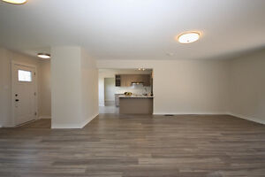 Pretty Renovated Bungalow For Sale in Desirable Neighbourhood Kingston Kingston Area image 4