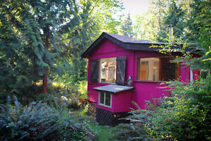 "Island ""Rose Cottage"" and Studio for sale $199k"